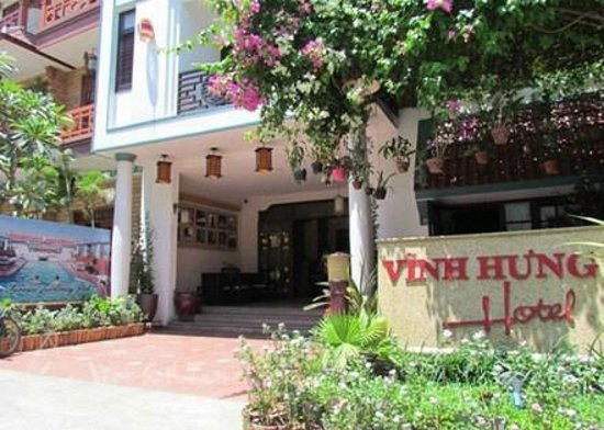 Vinh Hung Library Hotel : Hotel and grounds
