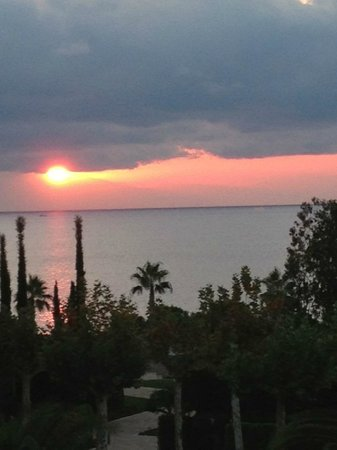 Pomegranate Wellness Spa Hotel: Sunset and sea view from balcony