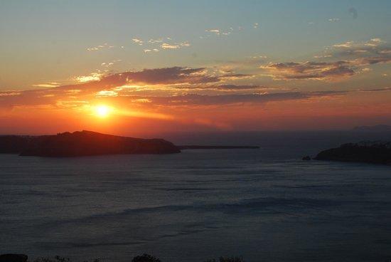Rocabella Santorini Resort & Spa: Sunset from room