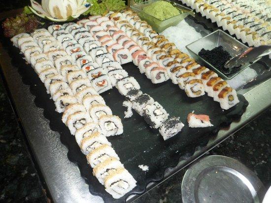 Ocean Blue & Sand : cena oriental en comedor buffet