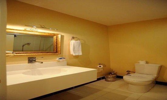 Pelikan Hotel: PELİKAN BATHROOM