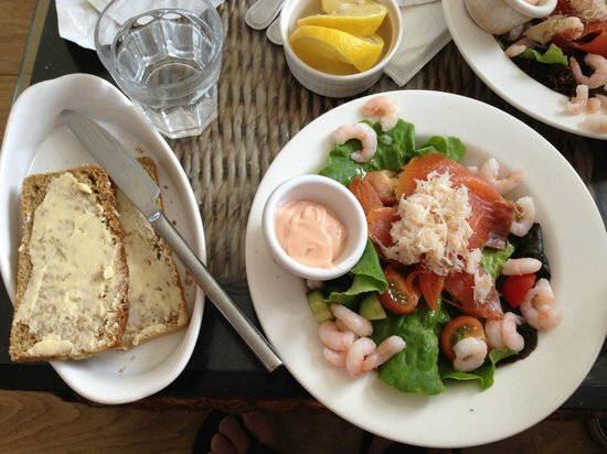 Starfish Cafe & Bistro: Amazing seafood salad at Starfish