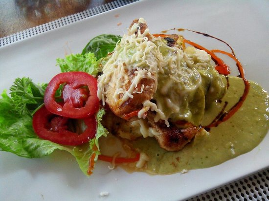 Art Cafe Sanur: Pollo salsa pesto
