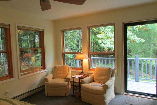 Artesian House Bed & Breakfast: sitting area