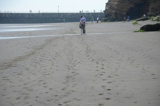 Whitby Beach: lovely beach of Whitby, North Yorkshire
