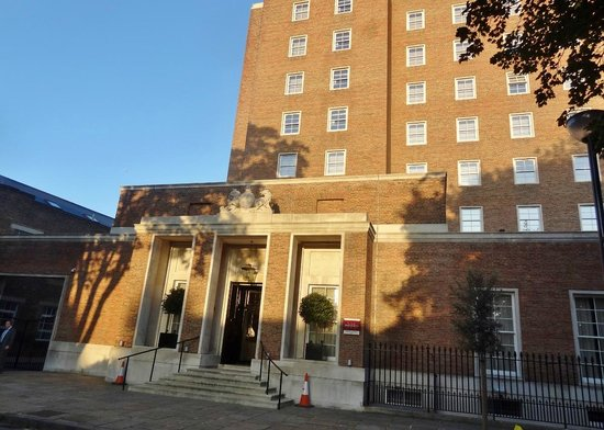 Greenwich Hotels With Parking