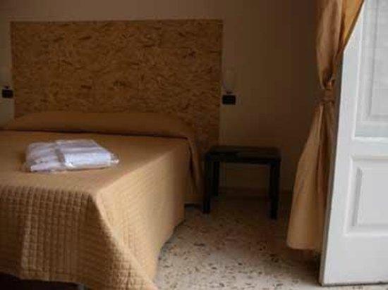 Bed and Breakfast Nonna Maria: Camera Quadrupla con bagno