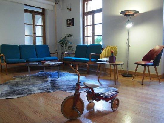 City Circus Athens: Living room