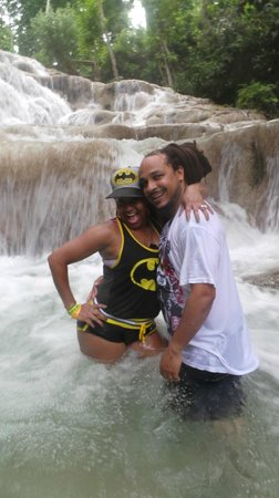 Turner Taxis and Tours Jamaica: Dunn's River Tour