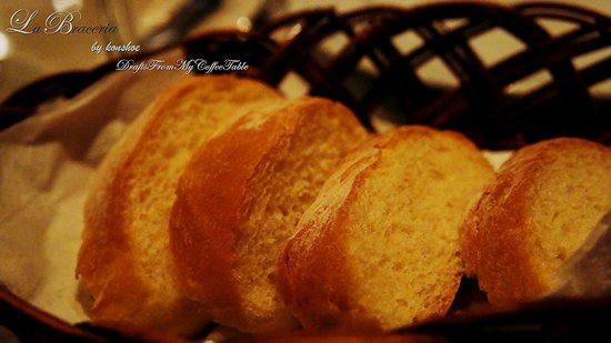 La Braceria Pizza & Grill: soft fluffy bread
