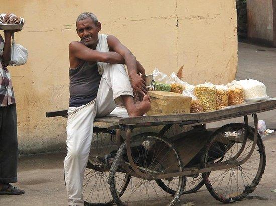 Hotel Tara Palace Chandni Chowk: Street scene