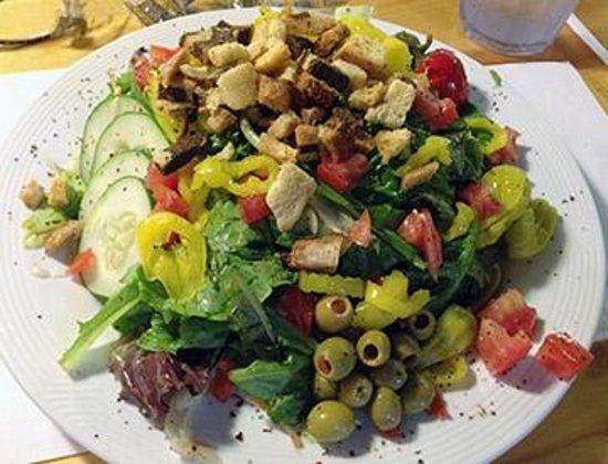 Kloiber's Cobbler Eatery: Full Size Salad