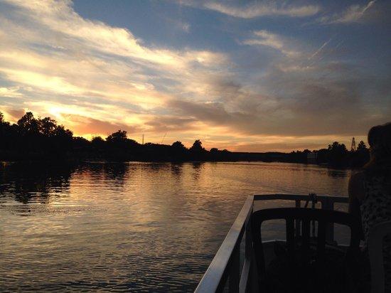 Congress Avenue Bridge / Austin Bats: Nice sunset from lady bird lake