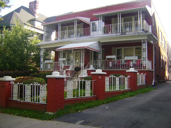 Richmond Place Inn: Great Area to stay