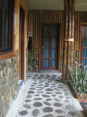 Casa Fuerte B&B: The door on the left is our room. Next to it, is the passage leading to the kitchens.