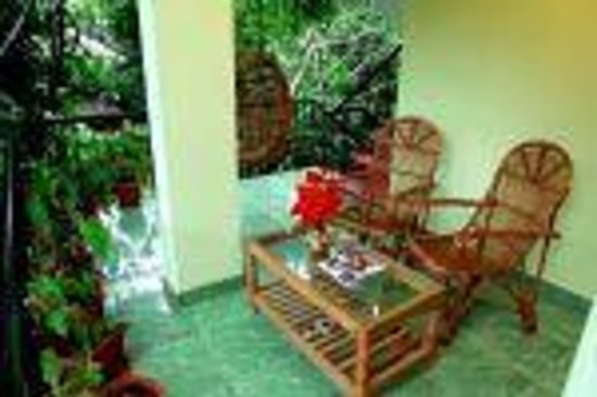 Rose Garden Homestay: balcony