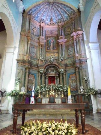 Cathedral at Old Panama: Altar principal.
