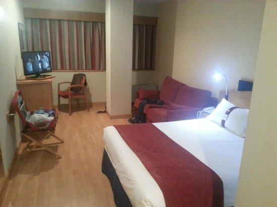 Holiday Inn Express Madrid Tres Cantos: Habitación 2 piso