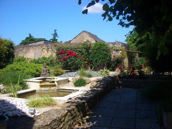 Hostellerie Saint Jean : The Zen garden