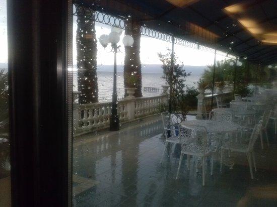 Hotel Restaurant Lido: Veranda.