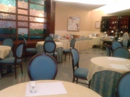 Hotel Restaurant Lido: Sala colazione.