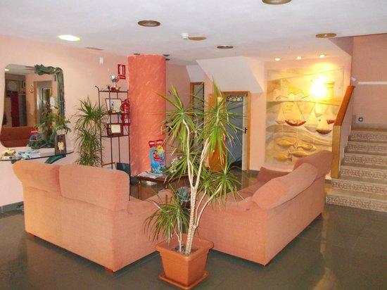 Hotel Jorge I: Reception area