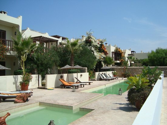 Rebali Riads: General view of shared pool area
