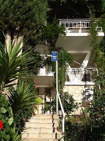 Villa Victory Apartmani: Aufgang zu den Appartements
