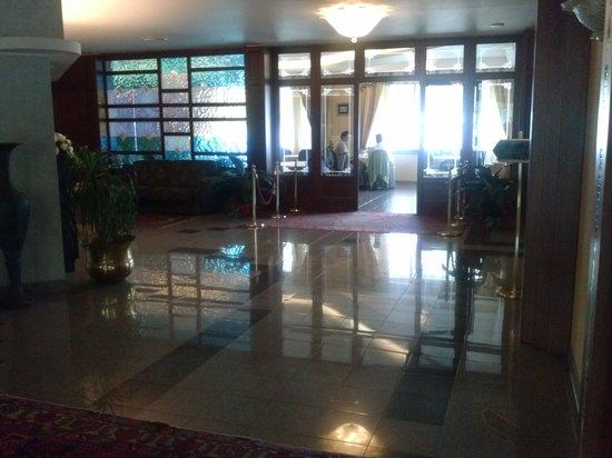 Hotel Restaurant Lido: Un interno del locale.