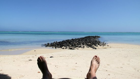 Paradis Beachcomber Golf Resort & Spa: Sur les transat devant la chambre