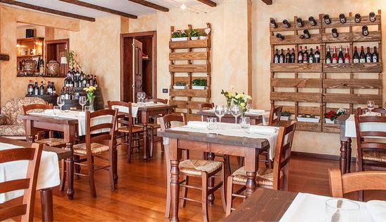 Agriturismo Il Talento Nella Quiete: Dining room