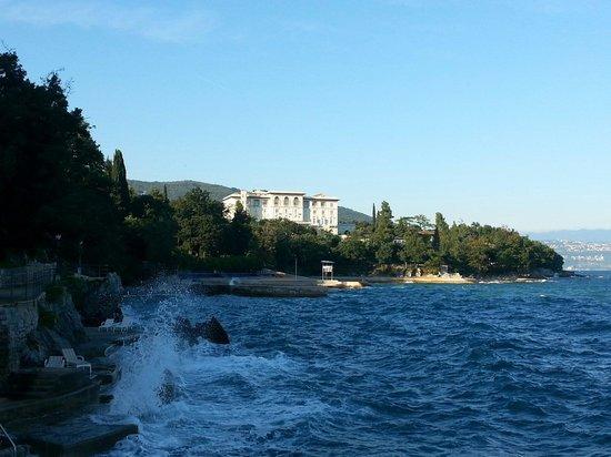Hotel Villa Vera : Promenade le long de la falaise