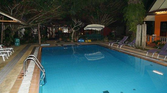 Na-Thai Resort: Herrliche Abkühlung am Abend