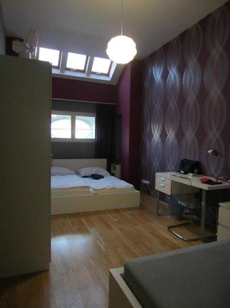 Hotel Apartments Wenceslas Square: La chambre à coucher : un double lit + i lit d'appoint.