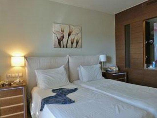 SENTIDO Aegean Pearl: bedroom