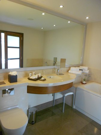 Aghadoe Heights Hotel & Spa : Bathroom