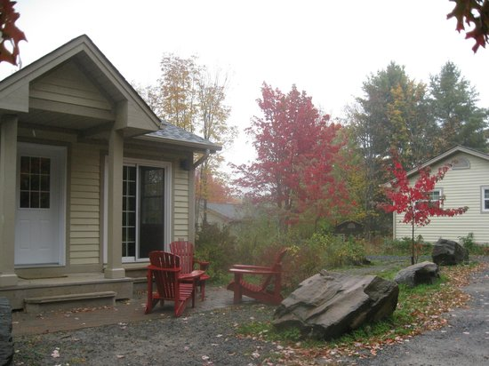 Blue Water Acres: Cottage