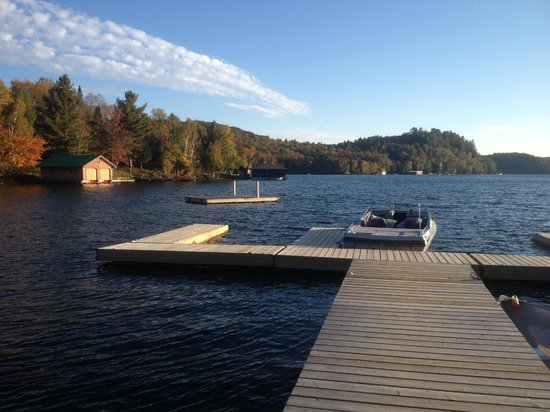 Blue Water Acres: Beach front - dock, canoes, and kayaks