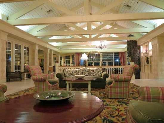 DoubleTree by Hilton Hotel Raleigh-Durham Airport at Research Triangle Park : Lobby