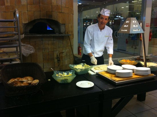 Leonardo Club Hotel Eilat : Fresh pitta bread