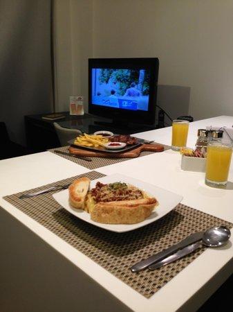 Hotel Continental BlueDoors : serviço de quarto