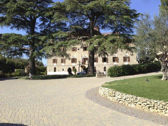 Borgo Dei Conti Resort: Frontalansicht