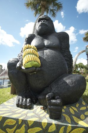 JungleGolf : big guy with bananas