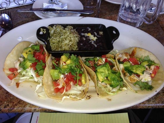 The Cheesecake Factory : Baja Chicken Tacos