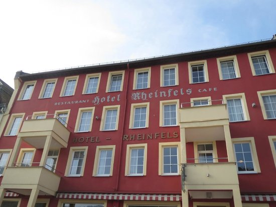 Hotel Rheinfels: Just steps from the river and K-D dock