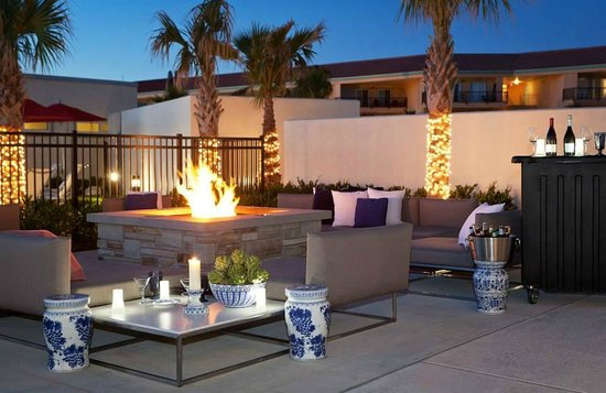 TownePlace Suites by Marriott Galveston Island: Beautiful Fire Pit
