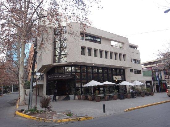Hotel Diego De Velázquez: FRENTE HOTEL