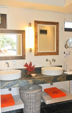 La Maison D'ete Hotel: La salle de bain des chambres Mer