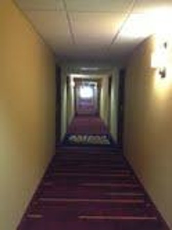 La Quinta Inn & Suites Springdale: hallway