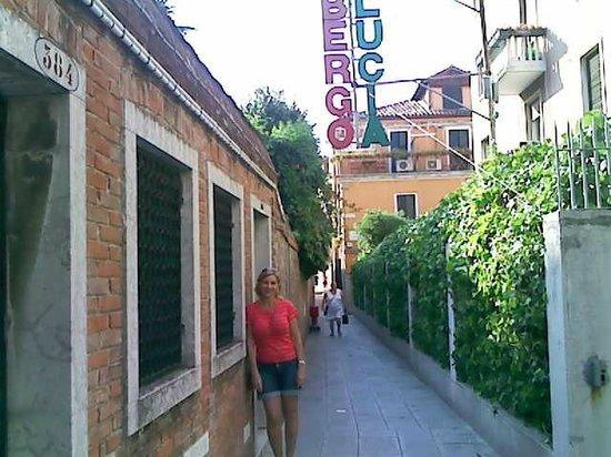 Hotel Santa Lucia : Na rua do hotel Santa Lúcia